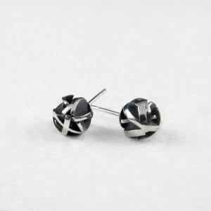 3D-modelled-black-earrings_Sterling-silver-studs_Fairina-Cheng_Jewellery