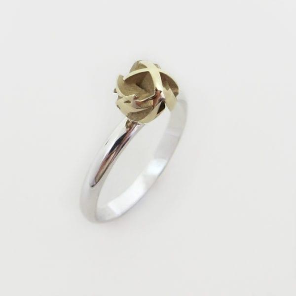 Yellow gold geometric ring