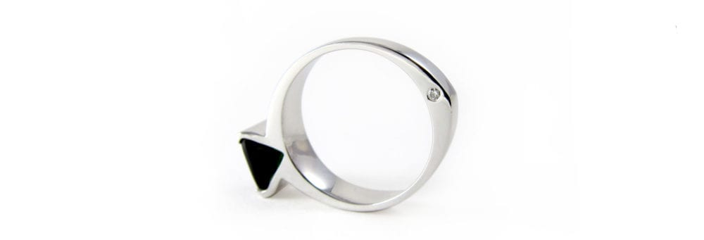 Fish engagement ring in white gold, tourmaline and diamond